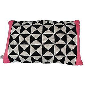 Černo-bílo- růžový polštář Pyramid strawberry - 30*50cm obraz